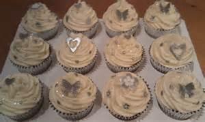 silver wedding cupcakes vanilla cupcakes with silver