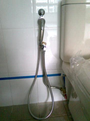 why does my bathtub gurgle when i flush the toilet plumbing problems plumbing problems toilet shower