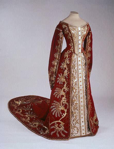 Kaftan Ashati 04 vestido oficial de los romanovs p 225 2