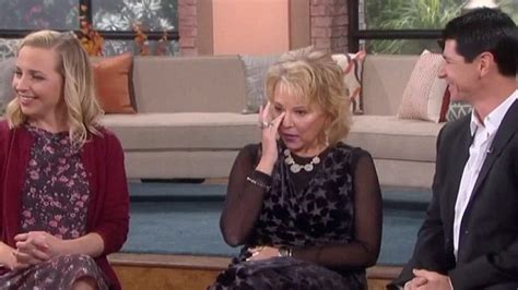 roseanne barr is surprised by sara gilbert lecy goranson