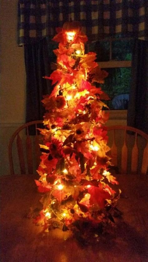 Winter Decorating Ideas - make a tomato cage fall tree craft projects for every fan