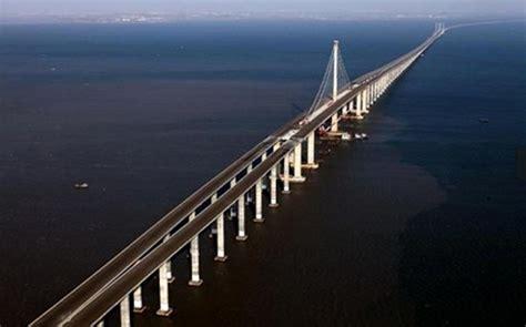 qingdao bridge wordlesstech china builds world s longest bridge