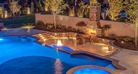 custom outdoor kitchens poolside living spaces  peek