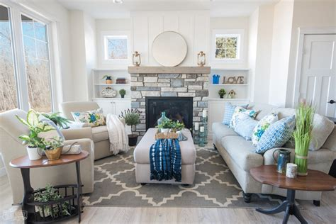 cottage livingroom 2018 traditional coastal cottage living room reveal s lake house