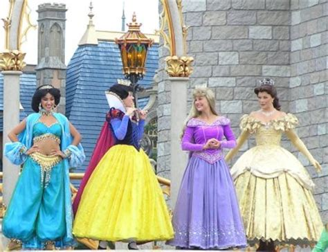 where to find the disney princesses at disney world
