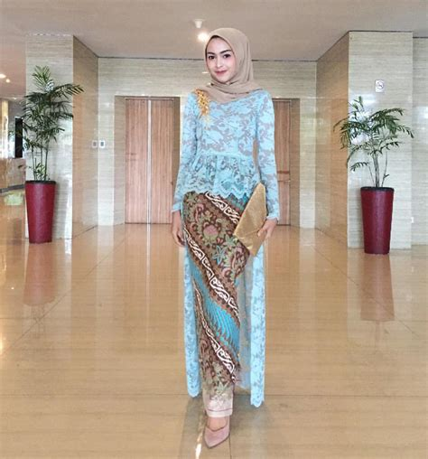 Tunik Lurik Biru 57 kumpulan gambar inspirasi kebaya modern indonesia
