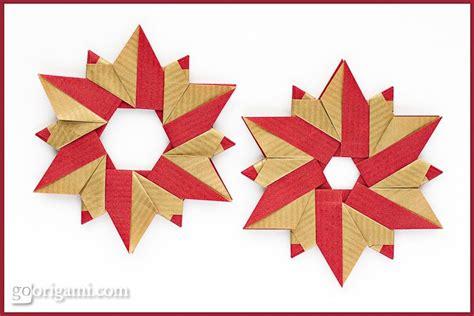 Modular Origami Wreath - origami wreath by sinayskaya go origami