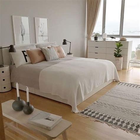 iron schlafzimmer des couleurs neutres pour la chambre neutre chambre