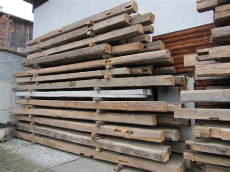 alte balken aufarbeiten alte balken altholzbalken altholz holzbalken deko wohnen