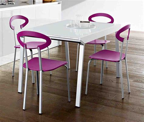 Chairs feel convenient the brushed metal material on the chairs legs