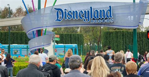 Anaheim Mba by The Disneyland Measles Outbreak Anti Vaxxers Aren T The