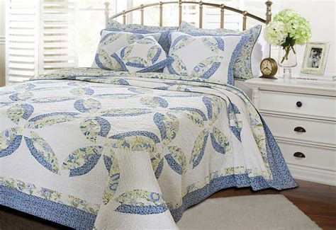 What Size Is King Size Quilt by King Size Bedspreads Knowledgebase