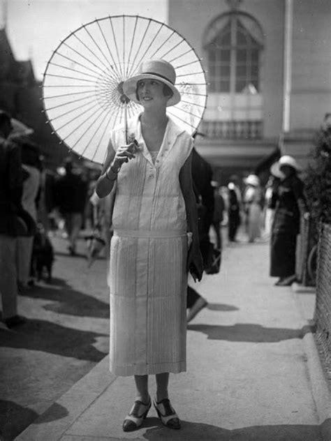 fabulous vintage   show womens street style