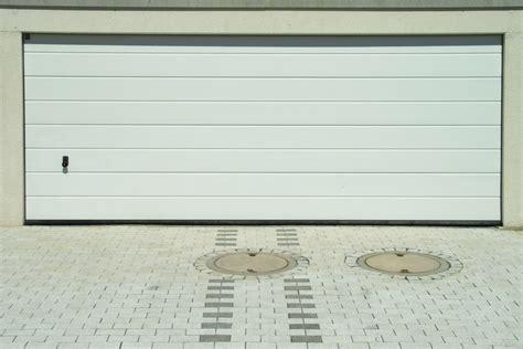 porta box auto porte sezionali per garage e box auto prezzi e consigli