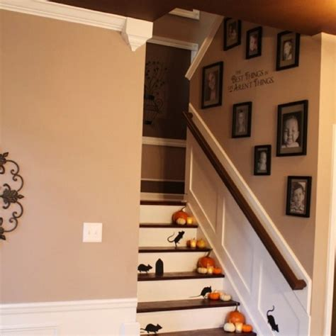 Decorating Ideas For Stairs Staircase Wall Decorating Ideas Traditional Staircase