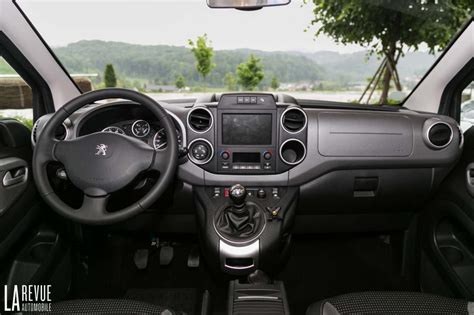 peugeot partner interior photo partner tepee bluehdi120 interieur