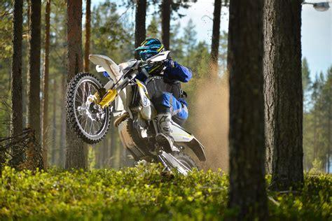 Enduro Motorrad Preise by Enduro 16613 Batterietester Bt1201 12 V Heisesteff De