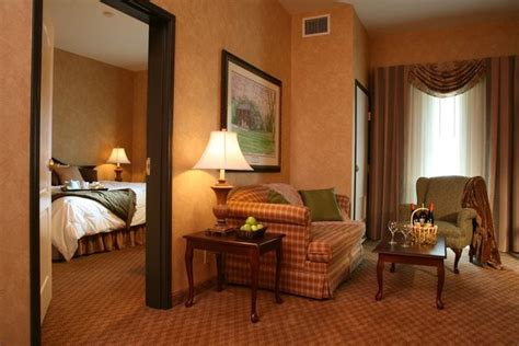 the irish cottage boutique hotel galena il resort
