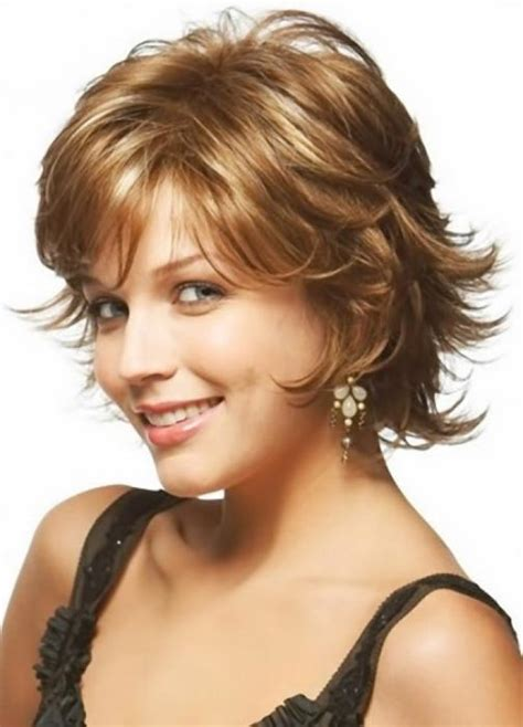 good haircuts for thick hair round face short hairstyles for thick wavy hair and round faces