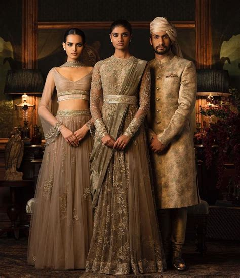 Indian Style Wardrobe by The 25 Best Indian Designer Ideas On