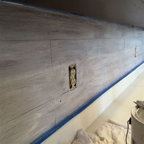 peel and stick shiplap lowes de 20 b 228 sta id 233 erna om vinyl tile backsplash p 229 pinterest