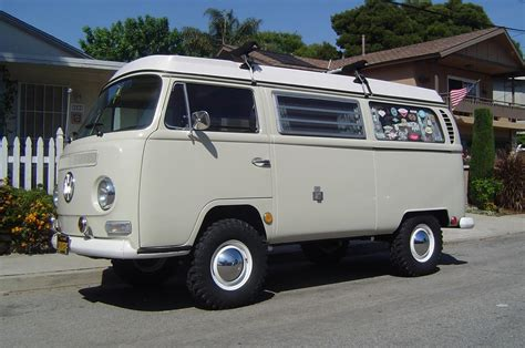 volkswagen vanagon lifted lifted vw bus www pixshark com images galleries with a