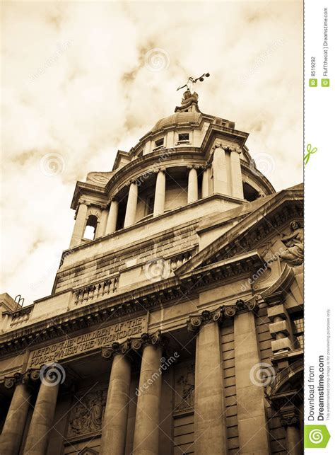 Travel To Usa From Uk With A Criminal Record Criminal Courts Uk Stock Photography Image 8519292