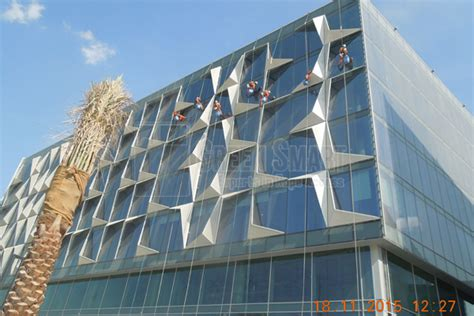 design district dubai dubai design district rope access window cleaning