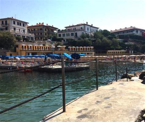 bagni belvedere castiglioncello бар ресторан у пляжа foto di bagni belvedere