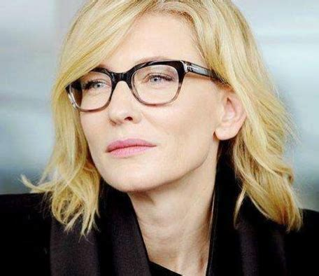 30 hot female celebrities with glasses   jetss