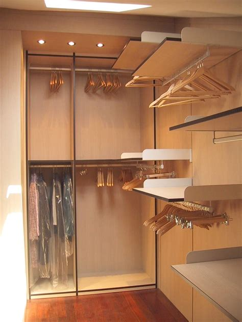 mobili per cabine armadio cabina armadio in mansarda su misura idfdesign
