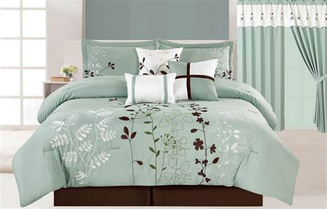 Bedrooms With White Comforters - blue and brown bedding sets ease bedding with style