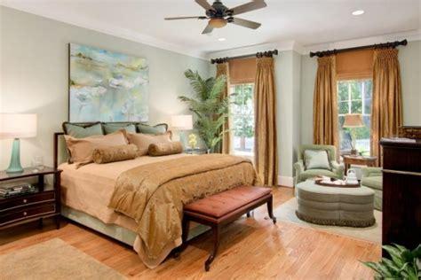 decorare ferestre living dormitor cu doua geamuri cu jaluzele si draperii separate