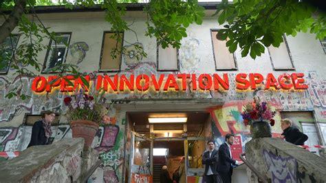 open innovation space berlin er 246 ffnung mai 2015 - Innovation Möbel Berlin