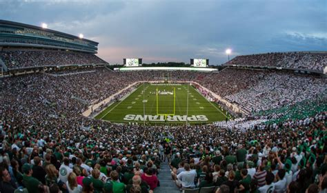 Msu Parking Office by Spartan Football Is Back And So Is Tailgating Msutoday