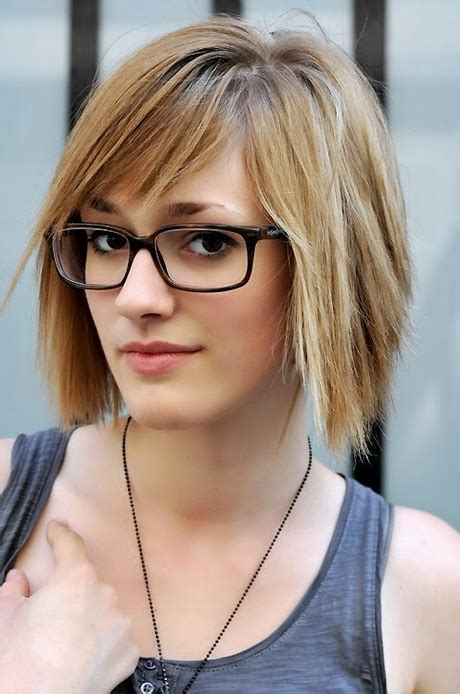 short hairstyles for glasses short hairstyles for women with glasses
