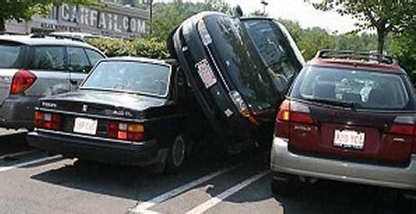 donne imbranate al volante donne parcheggiano i filmati pi 249 esilaranti