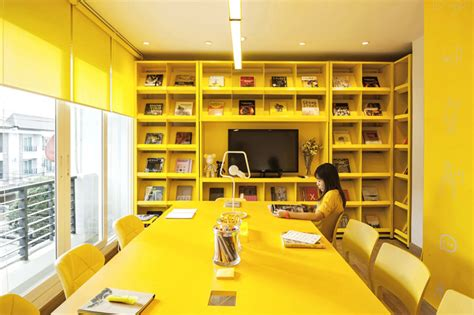 yellow interior 9 interiors that a whole lot of yellow contemporist
