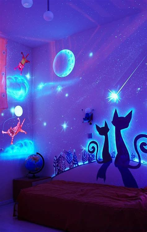 glow in the dark paint for bedroom walls glow in the dark bedroom decoration