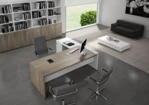 Modern Office Furniture Best 25 Executive Office Ideas On Executive Office Desk Corporate Office Design