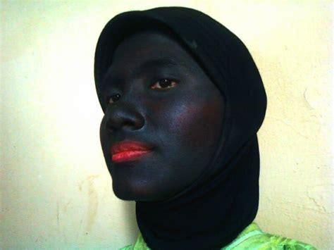 Wanita Hitam Jins Wanita wanita neisya jin hitam