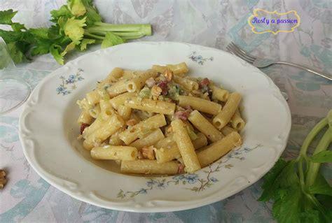pasta con il sedano pasta con gorgonzola sedano e noci rosly a for