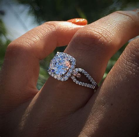 Beautiful Engagement Rings by New Generation Is Showing Hive For Designer