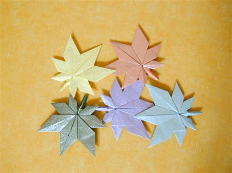 Origami Flower Leaves - origami maple leaf origami four leaf clover origami leaf
