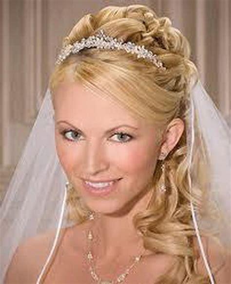 Brautfrisuren Halblange Haare Mit Schleier by Brautfrisuren Lange Haare Mit Schleier