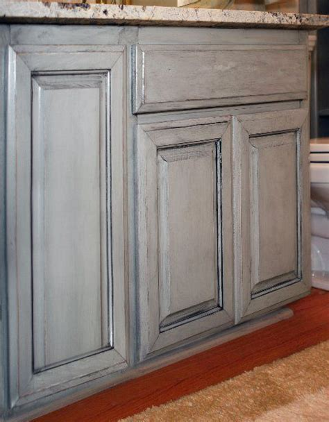 painted glazed kitchen cabinets 25 best ideas about glazing cabinets on pinterest