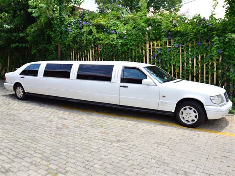 limousine vehicle the limo king luxury limousines limousine hire