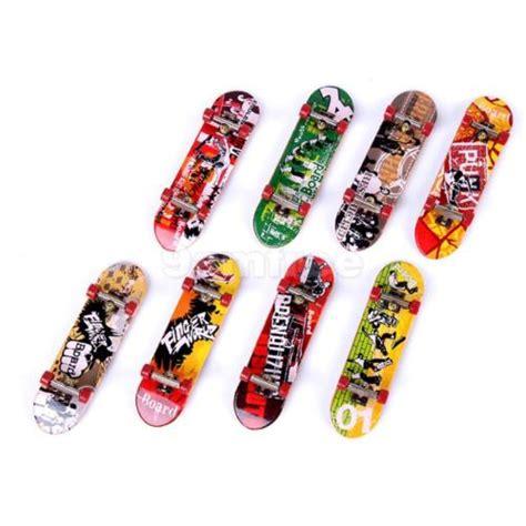 Fingger Skateboard Set Skateboard Mini Model Unik mini skateboard board kit cool sports fingerboards model set ebay