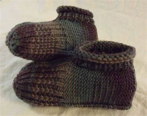 how to make knitted slippers how to knit slippers by janis frank craftsy