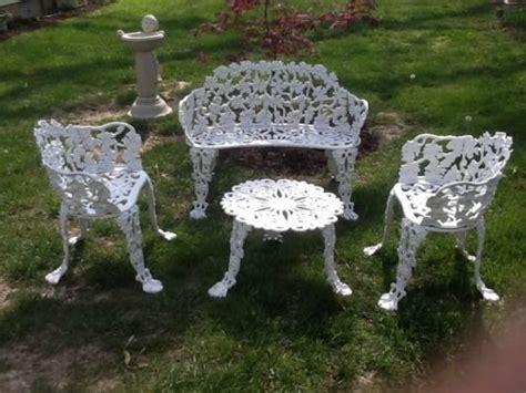 antique cast iron 4 piece patio furniture set grapevine